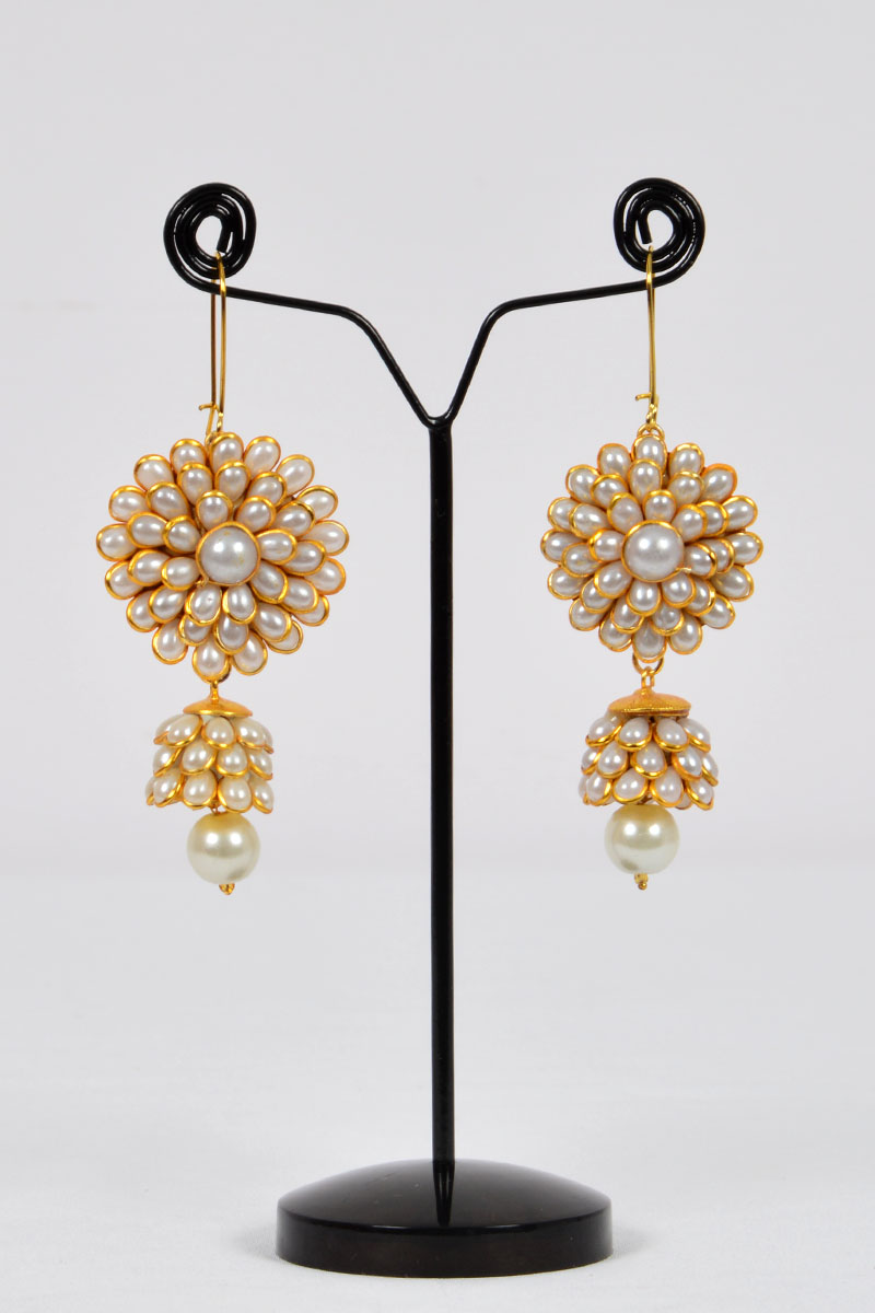 White Color, Sunflower Patter Polkhi Elegant Drop Earrings with Gold Plated Beautifully Highlighted Petals - MCJ250119